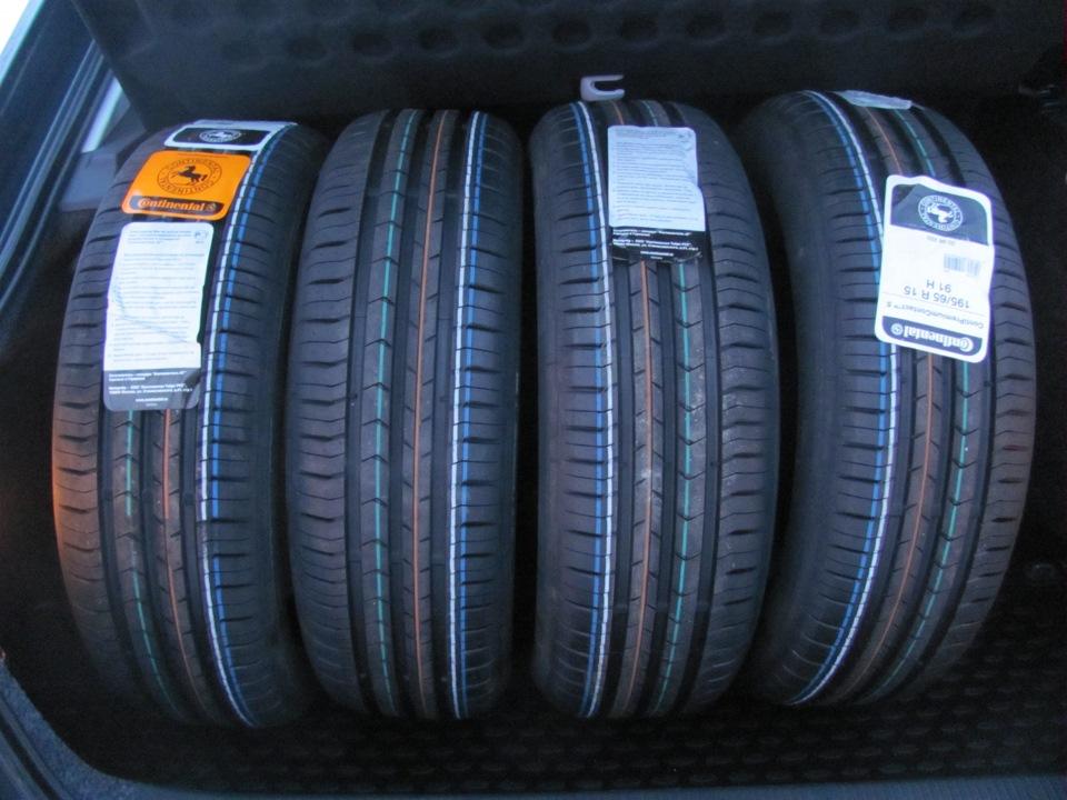 Comparatif des pneus d'été Continental ContiPremium Contact 5 et ContiEco Contact 5