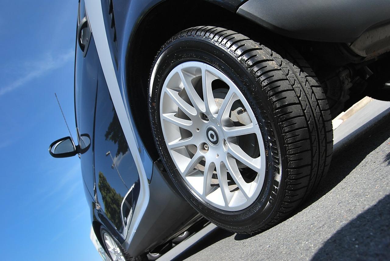 Devez-vous choisir un pneu discount ?